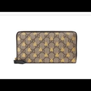 Gucci zip around bee wallet new in box